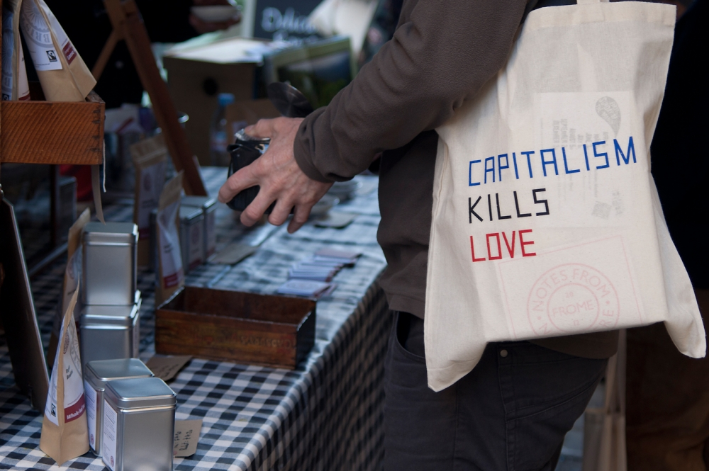 Claire Fontaine. Capitalism Kills Love, 2012