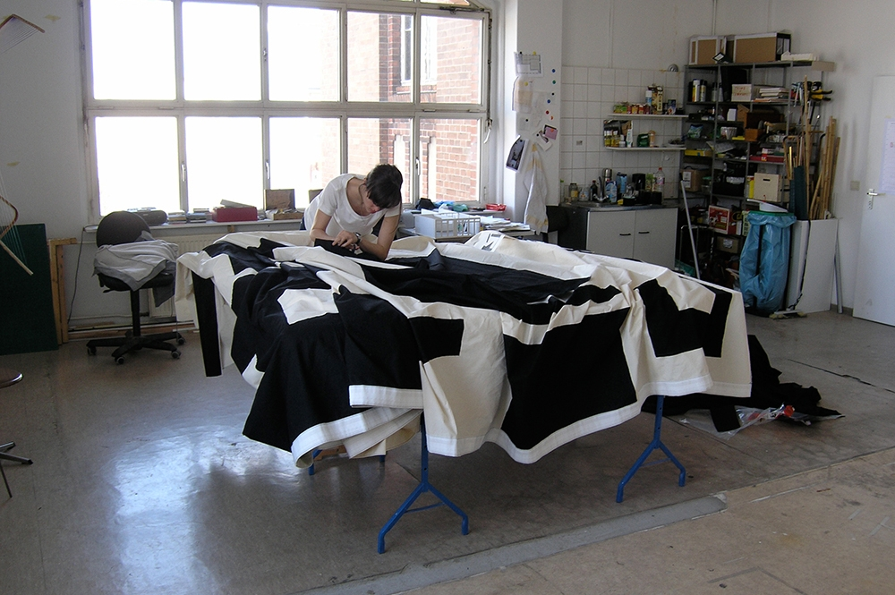 Eva Berendes. Working on Somerset Curtain, Berlin, 2008
